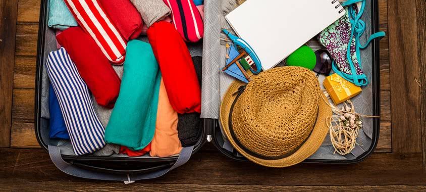 Koffer mit Gepäck